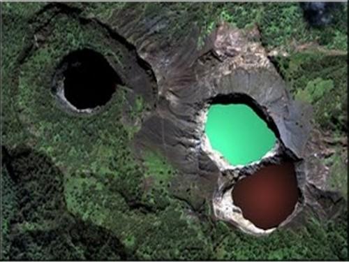 Dangerously Beautiful Lake Kelimutu