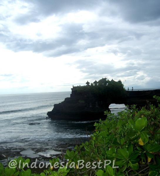 IndonesiaBestPL_Pura_Karang_Bolong_800x800